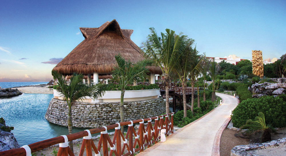 Hard Rock Riviera Maya Walkway